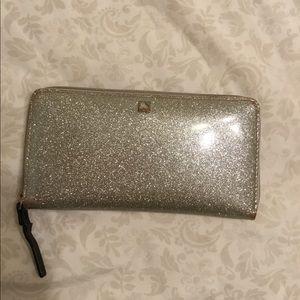 Kate Spade Mavis St. wallet